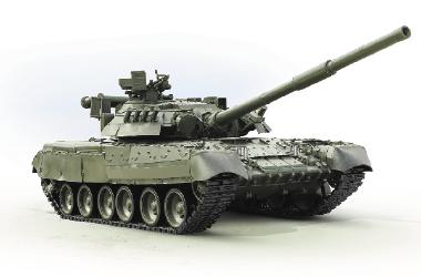 Боевой танк Т-80 на светлом фоне